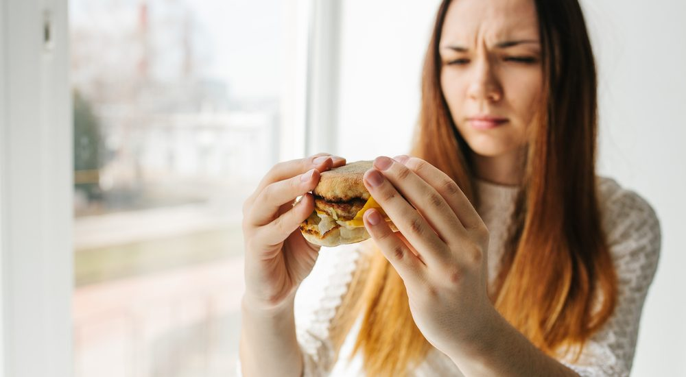 Girl not liking the food taste of QSR and Cloud kitchen